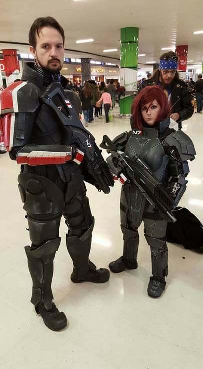 Broshep And Femshep Eduki Cosplay Commander Shepard