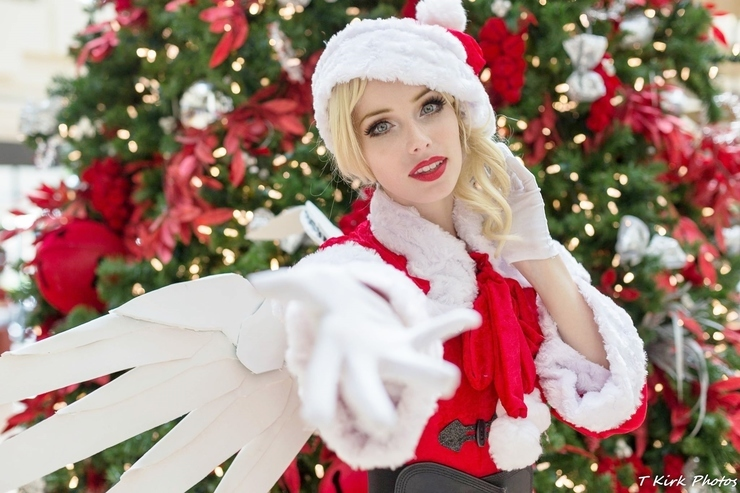 Mercy Christmas.Christmas Mercy Starbuxx Mercy Cosplay Photo Cure