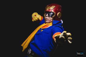 Captain Falcon Cosplay Photos(8)Super Smash Bros  Wii U