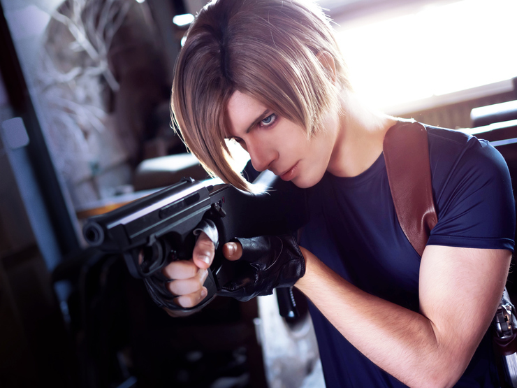 Resident Evil 4 Clow Shirow Clow Leon S Kennedy Cosplay Photo
