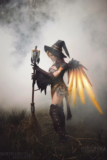 Mercy witch Overwatch cosplay
