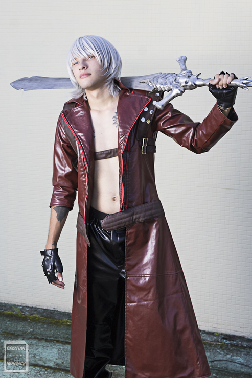 Dante Devil May Cry Cosplay Photo