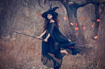 Какая женщина может стать ведьмой? 1110c31a483b1d2bcb95100937feb5cc8bcc9c4e-350x600