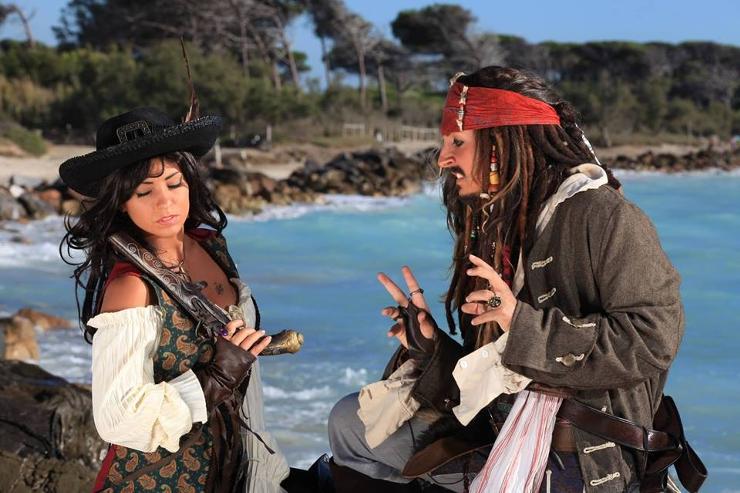 оценил такого картинка в прошлой жизни я была пираткой следующий день школу